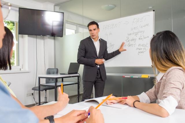 英会話スクールを元英語教師がオススメ